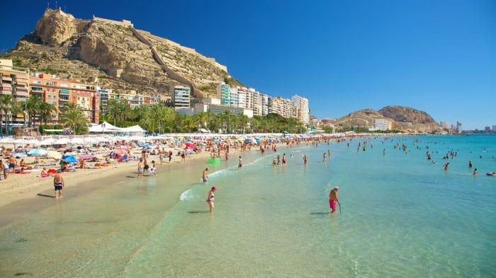 Visiting Alicante: Playa del Postiguet